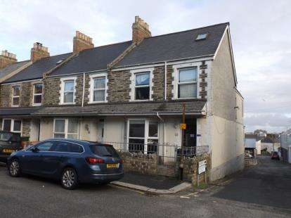 2 Bedrooms Flat for sale in Newquay, Cornwall, .