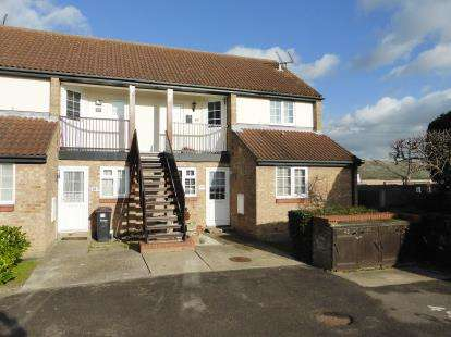 2 Bedrooms Maisonette Flat for sale in Rayleigh, Essex, .