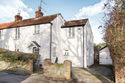 4 Bedrooms Semi Detached House for sale in Gillingstool, Thornbury, Bristol, .