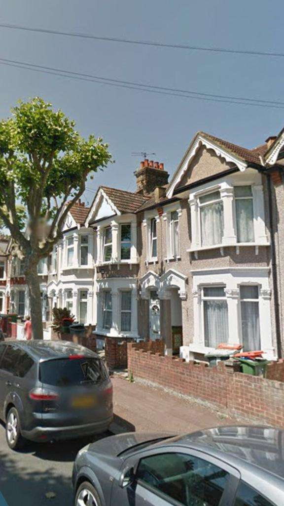 5 Bedrooms Terraced House for rent in Marlow Road, East Ham, London E6