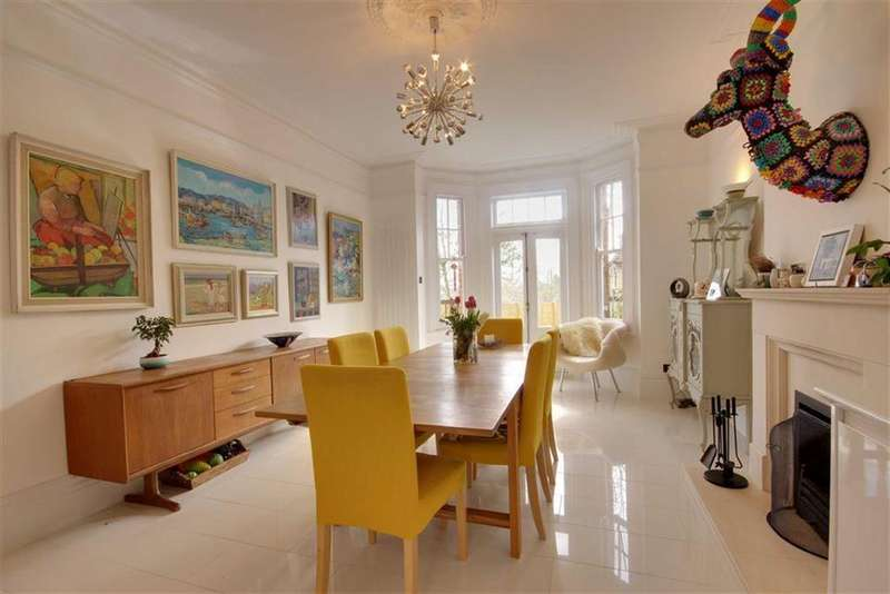5 Bedrooms Detached House for sale in Tudor Road, Barnet, Hertfordshire