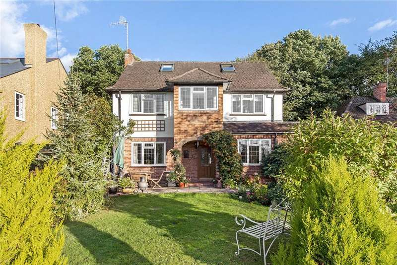4 Bedrooms Detached House for sale in Harefield Road, Rickmansworth, Hertfordshire, WD3