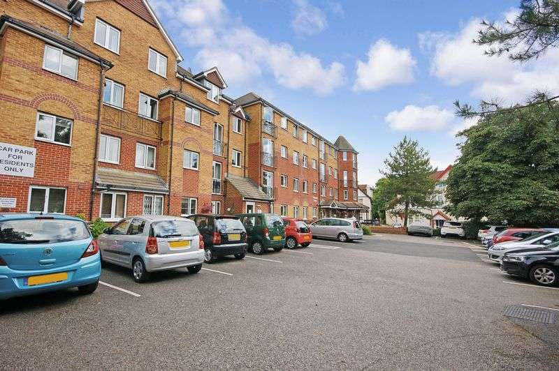 2 Bedrooms Property for sale in Viscount Court, Bournemouth, BH5 1AF