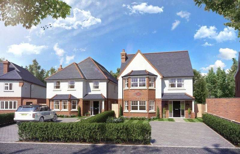 4 Bedrooms Detached House for sale in Sidney Road, Theydon Bois, Epping, Essex, CM16
