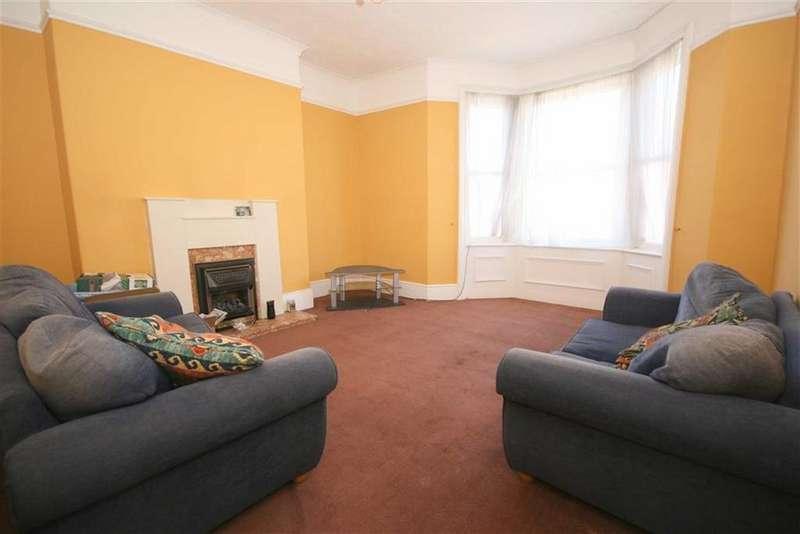 4 Bedrooms Maisonette Flat for sale in Whitley Road, Whitley Bay, NE26