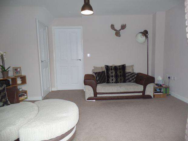 2 Bedrooms Terraced House for sale in HANOVER CRESCENT, SHOTTON, PETERLEE AREA VILLAGES