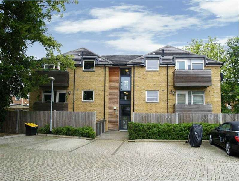 2 Bedrooms Flat for sale in York Road, New Barnet, Hertfordshire