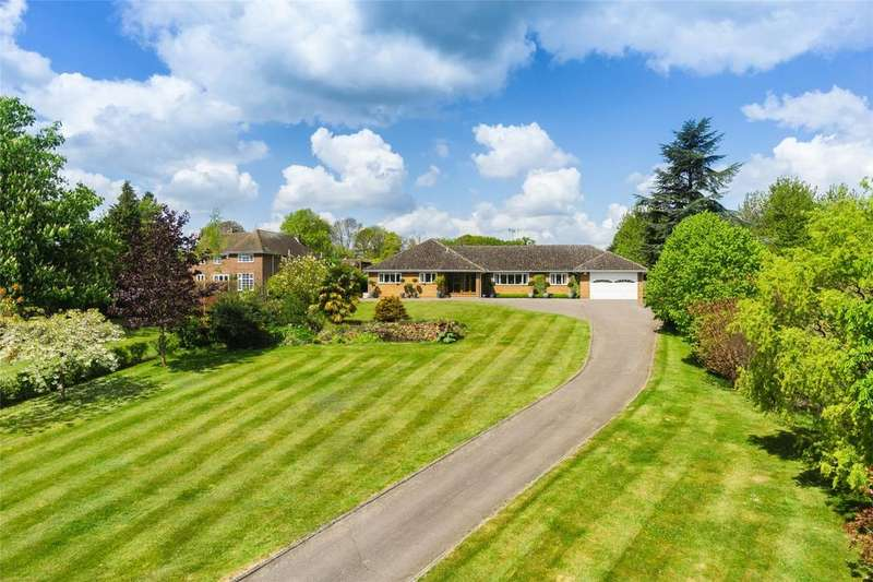4 Bedrooms Detached Bungalow for sale in Reynards Road, Welwyn, Herts