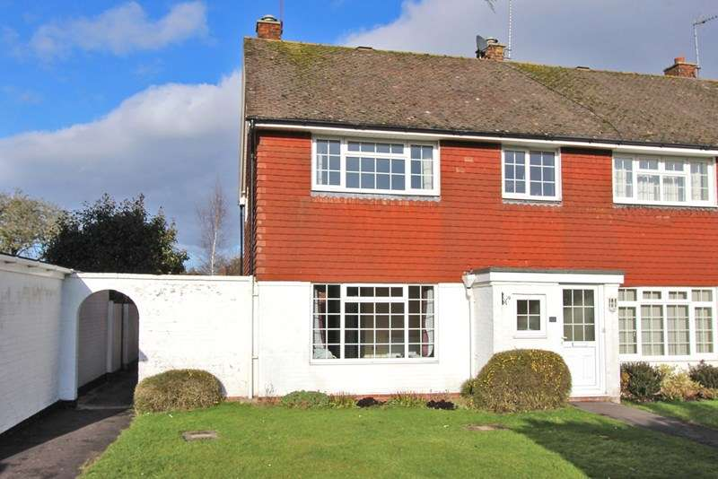 3 Bedrooms Property for sale in Greenways Road, Brockenhurst