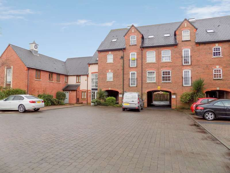 2 Bedrooms Apartment Flat for sale in Cordwainers Court, Buckshaw Village, Chorley, PR7