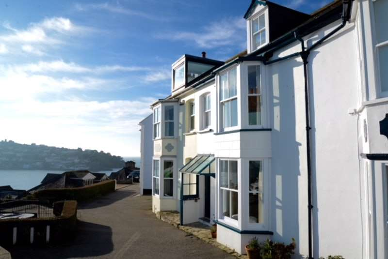 3 Bedrooms Terraced House for sale in Harbour View, Fowey, Cornwall, PL23