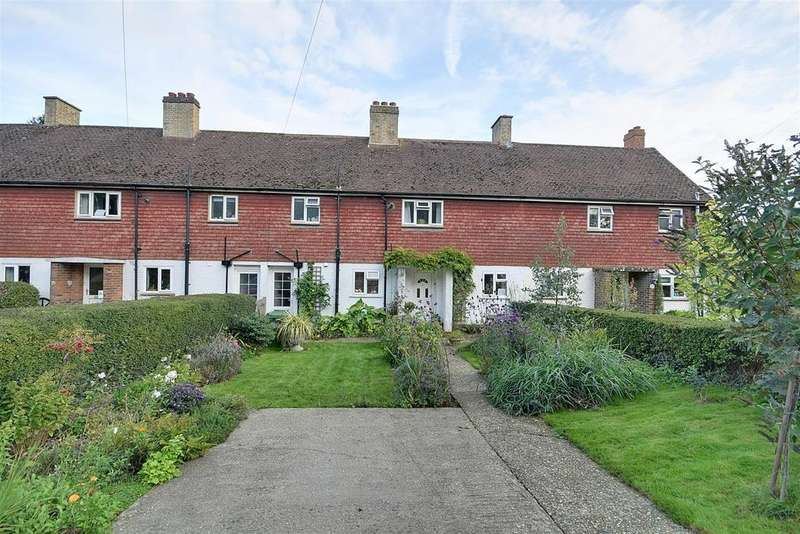 3 Bedrooms Terraced House for sale in Coplands Rise Northiam, Rye