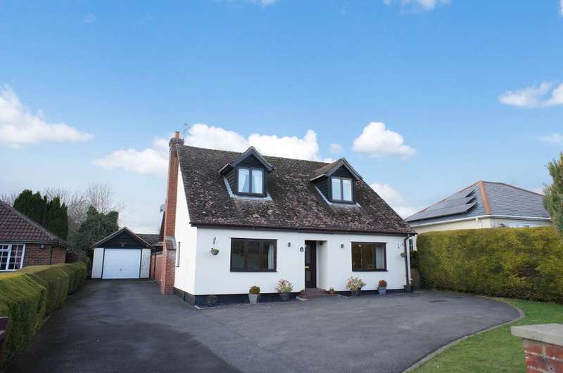 4 Bedrooms Detached House for sale in Fox Lane, Oakley, Hampshire, RG23 7BB