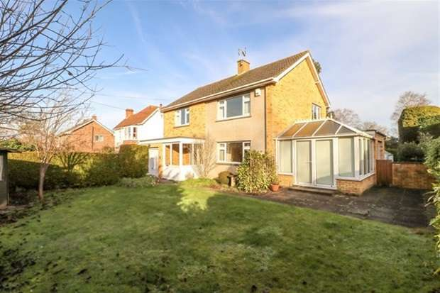 4 Bedrooms Detached House for sale in Wraxhill Road