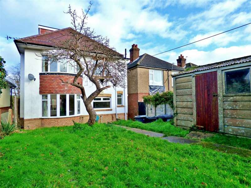 4 Bedrooms Detached House for rent in WALKING DISTANCE TO KINSON PRIMARY SCHOOL - PETS AND SHARERS CONSIDERED