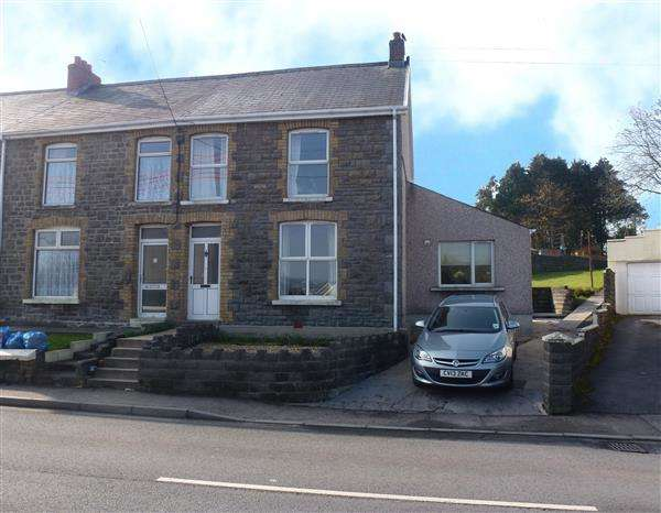 3 Bedrooms Semi Detached House for sale in Carmarthen Road, CROSS HANDS, Llanelli