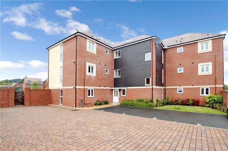 2 Bedrooms Apartment Flat for sale in Stirling Court, Bracken Way, MALVERN, WR14