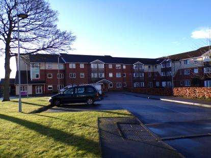 2 Bedrooms Retirement Property for sale in Mattesley Court, Cresswell Crescent, Bloxwich, West Midlands