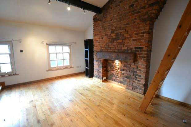 2 Bedrooms Apartment Flat for sale in Trafalgar Court, 13-15 Lord Nelson Street, Liverpool