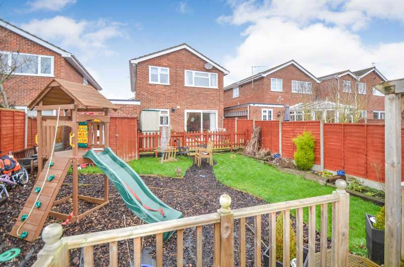 4 Bedrooms Detached House for sale in Bletchley