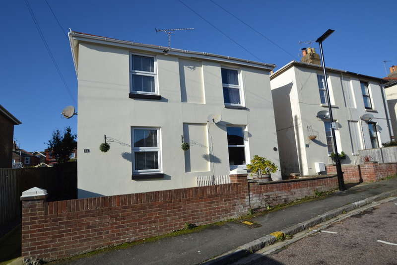 2 Bedrooms Semi Detached House for sale in Albert Street, Ryde