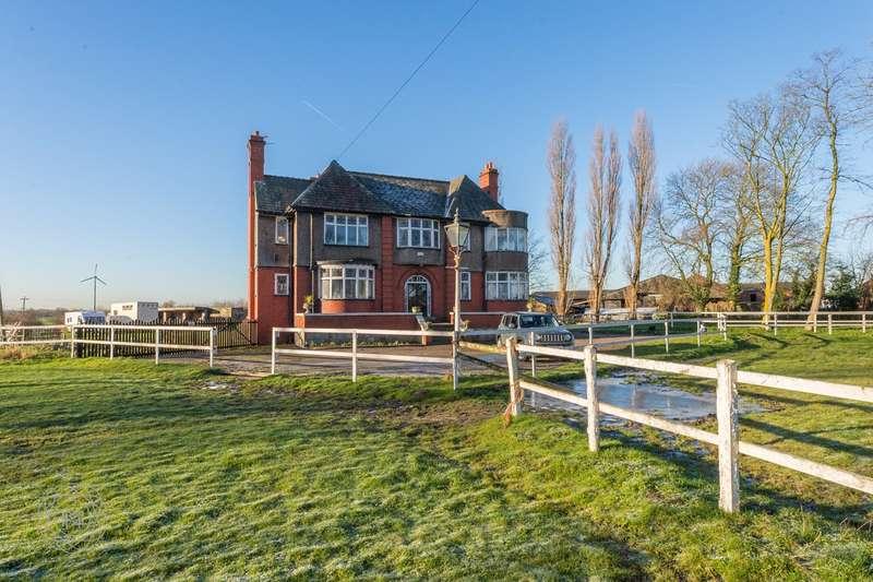 9 Bedrooms Detached House for sale in Kenyon Lane, Lowton, Warrington, WA3
