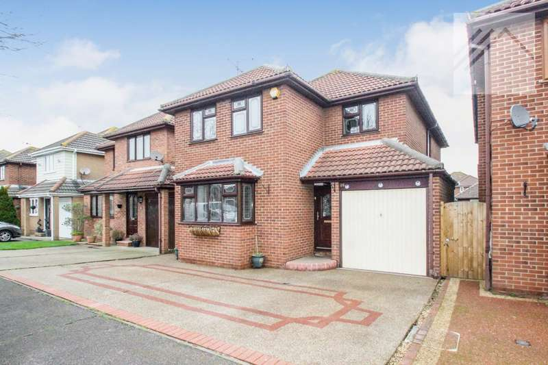 4 Bedrooms Detached House for sale in Papenburg Road, Canvey - YOUR FAMILY BELONGS HERE