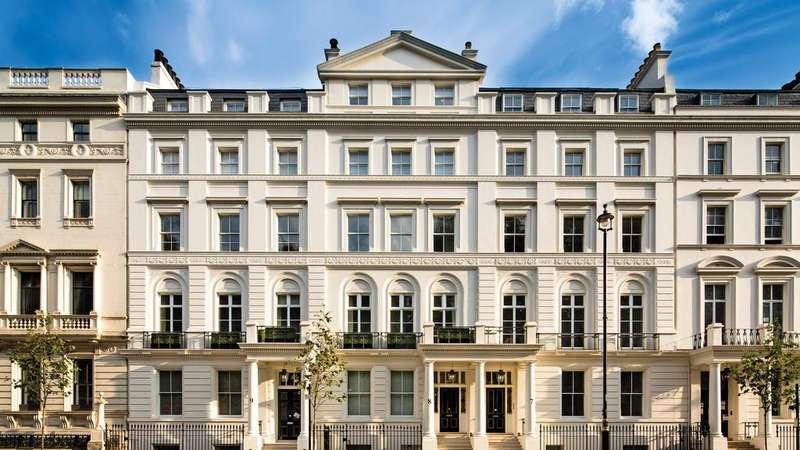 2 Bedrooms Flat for sale in Buckingham Gate, London. SW1E