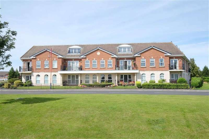 3 Bedrooms Penthouse Flat for sale in The Magnolias, Cypress Point, Lytham