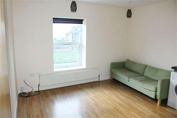 1 Bedroom Flat for sale in Tong Street, Bradford, West Yorkshire