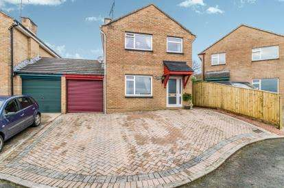 3 Bedrooms Link Detached House for sale in Torpoint, Cornwall, England