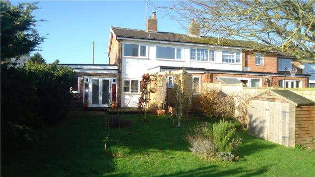3 Bedrooms Semi Detached House for sale in Hitchin Lane, Clifton