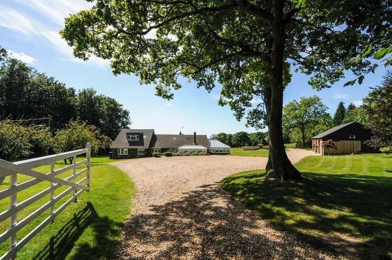 5 Bedrooms Detached House for sale in Upwaltham, Nr. Petworth