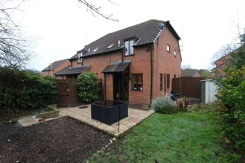 1 Bedroom Cluster House for sale in 15, Cannock Way, Reading, Berkshire, Rg6 4ef