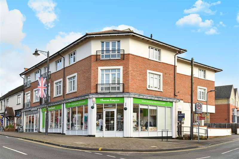 1 Bedroom Apartment Flat for sale in Twelve Trees House, Cambridge Road, Crowthorne