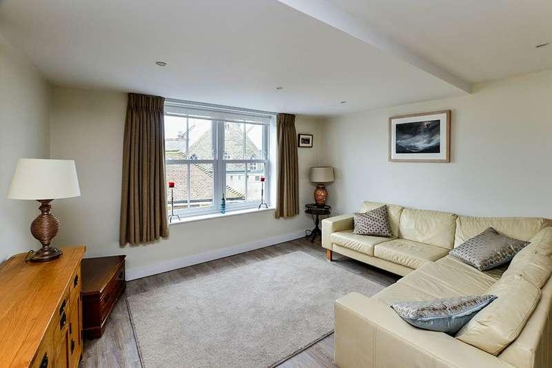 2 Bedrooms Flat for rent in Chapel Street, Hythe, CT21