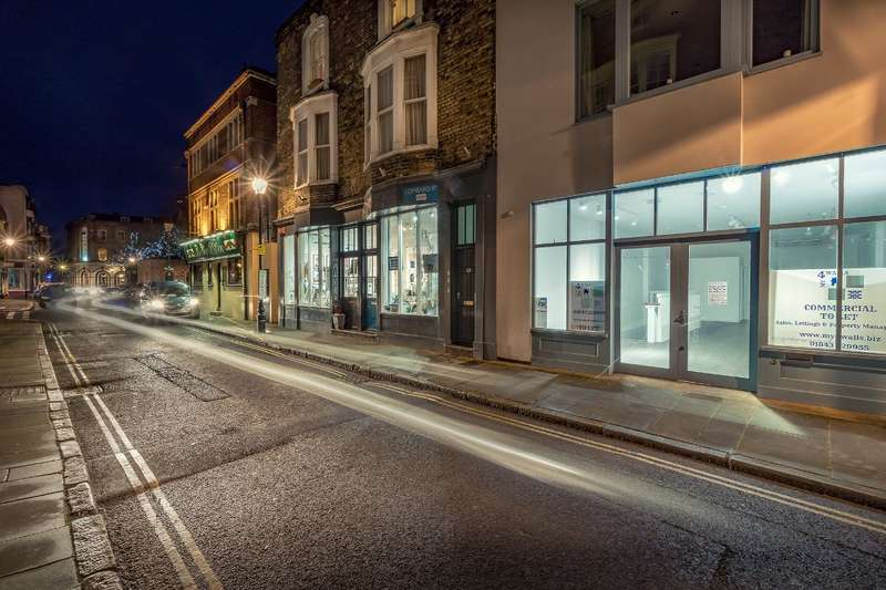 Shop Commercial for rent in Lombard Street Old Town Margate