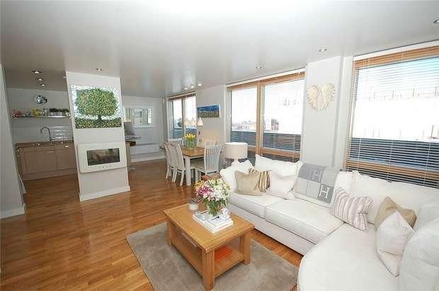 2 Bedrooms Flat for sale in Bauhaus, 2 Little John Street, MANCHESTER