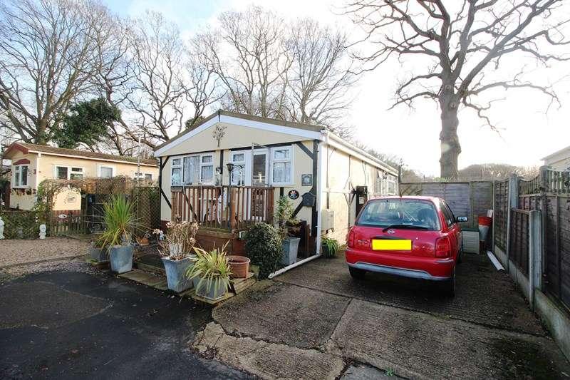 2 Bedrooms Mobile Home for sale in Kingsleigh Park Homes, Benfleet