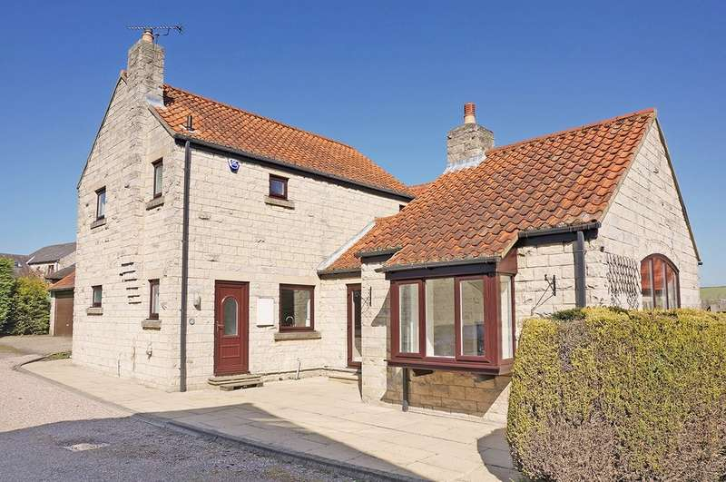 4 Bedrooms Detached House for sale in Walnut Close, Saxton, LS24 9SX