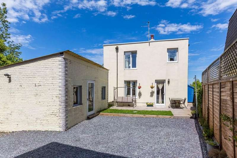 3 Bedrooms Detached House for sale in Guelles Road, St. Peter Port, Guernsey