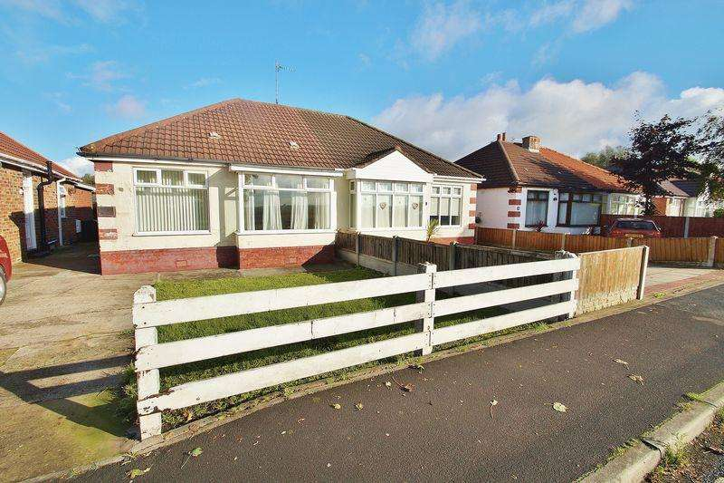 2 Bedrooms Semi Detached Bungalow for sale in Moss Road, Southport