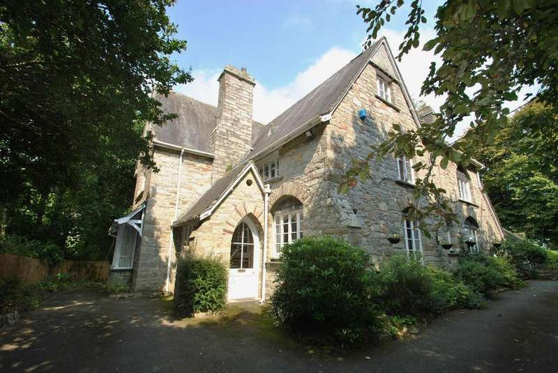 8 Bedrooms Detached House for sale in Lower East Street, St. Columb Major