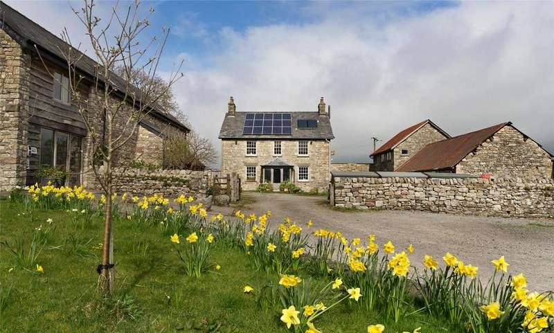 4 Bedrooms Detached House for sale in Hillside, Llangattock, Crickhowell, Powys