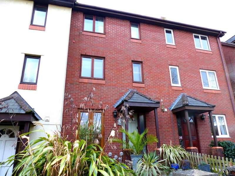 3 Bedrooms Terraced House for sale in School Hill, Chepstow
