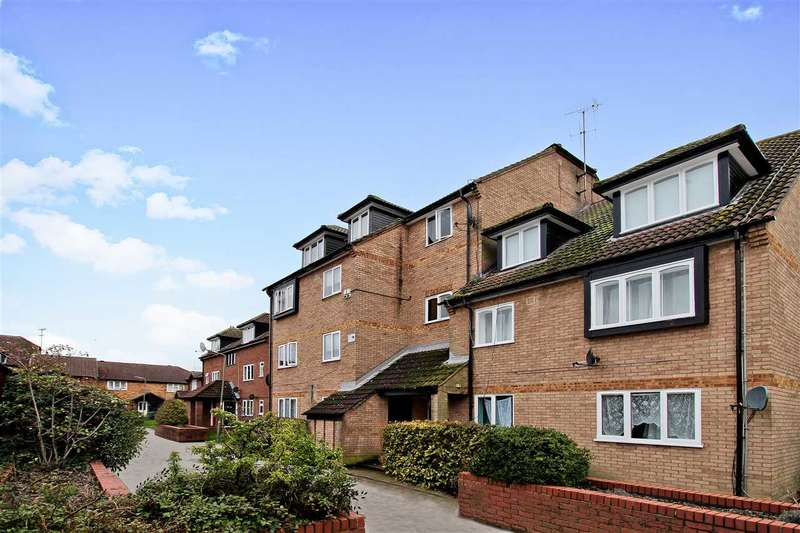 2 Bedrooms Apartment Flat for sale in Springwood Crescent, Edgware