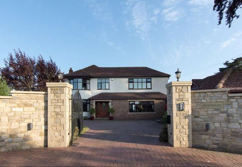 5 Bedrooms Detached House for sale in Fantastic views and surrounded by the open countryside of Norton Malreward