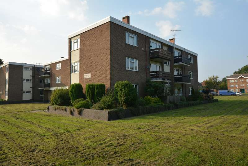 2 Bedrooms Flat for sale in Willersley Court, Newbold Road, Newbold, Chesterfield, S41
