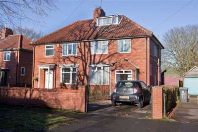 3 Bedrooms Semi Detached House for rent in Off Beckfield Lane, Acomb