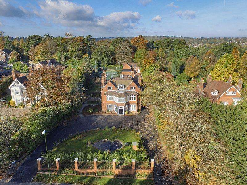 10 Bedrooms Detached House for sale in 17 Oathall Road, Haywards Heath, West Sussex
